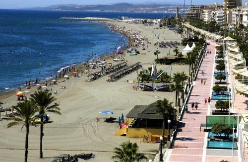 imagen de la playa de estepona