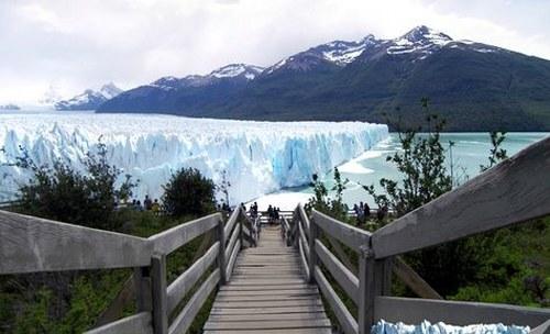 pasarela para visualizar el glaciar perito moreno